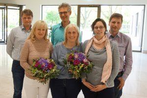 Im Anhang finden Sie ein Foto (Hausärzteverband Brandenburg) zur freien Verwendung. Zu sehen ist der neue gewählte Vorstand. Von links: Dr. Gunnar Haufe, Astrid Tributh (stellv. Vorsitzende), Dr. Musche-Ambrosius, Dr. Karin Harre (Vorsitzende), Miriam Schwantes, Dr. Roßbach-Kurschat.