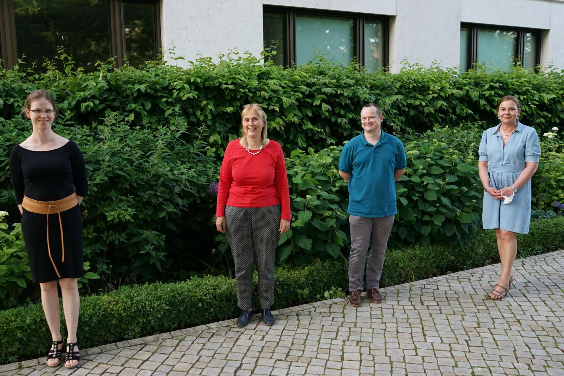 Der Vorstand. Von links: Dr. Katharina Weinert, Dr. Karin Harre (Vorsitzende), Dr. Walter Mildenberger, Antje Meinecke.